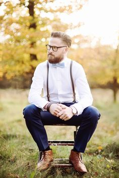 Such a stylish groom!