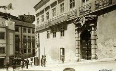 O Palácio dos Condes de Figueira, classificado como monumento de interesse público, é um dos mais notáveis exemplares da arquitectura urbana pré-terramoto ainda existente em Lisboa. Palácio dos Condes da Figueira, foto de Eduardo Portugal, in a.f.C.M.L.