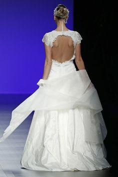 Vestidos de noiva com decote nas costas 2016: sensuais e elegantes Image: 8