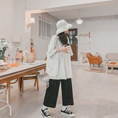 Mode Outfits, Retro Outfits, Korean Outfits, Casual Outfits, Fashion Outfits, Hijab Fashion, Fashion Tips, Korean Fashion Trends, Korean Street Fashion