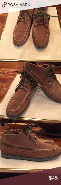 Cole Haan men's 8 suede chukka like suede boots Cole Haan super good looking great condition dark tan suede with olive leather ties slate blue sole.Very comfortable casual shoe., boot..great price too! Cole Haan Shoes Chukka Boots
