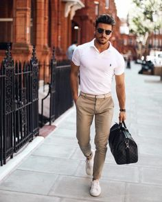 Men s Style How To Master Summer Smart-Casual For Men The Lost Gentleman Business Outfit Herren, Business Casual Outfits, Summer Business Casual Mens, Summer Smart Casual, Smart Casual Menswear Summer, Mens Smart Casual Fashion, Style Summer, Mens Casual Summer Outfits, Smart Casual Chinos