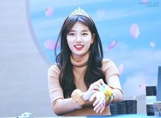 11 images that prove Suzy only gets prettier as time passes Suzy Drama, My Love From The Star, Love Film, Bae Suzy, Korean Celebrities, Young And Beautiful, Forever Young, Asian Beauty, Kdrama