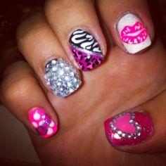 rhinestones, zebra, pink and cheetah nails!