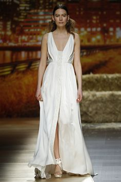 Colección #goldensunshine de Inmaculada Garcia #newcollection2016 #bride #weddingdress