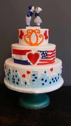 Dutch American Wedding cake | Flickr - Photo Sharing! Delfts Blauw themed wedding cake with flags and design elements from their wedding invite.