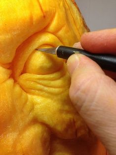 How to Carve a Realistic Face on a Pumpkin: 11 Steps (with Pictures) Pumpking Carving, Scary Pumpkin Carving, Creepy Pumpkin, Amazing Pumpkin Carving, Pumpkin Art, Pumpkin Crafts, Pumpkin Ideas, Carving Pumpkins, Pumpkin Sculpting