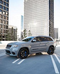 Lifted Jeep Cherokee, Jeep Grand Cherokee Srt, Suv Cars, Jeep Cars, My Dream Car, Dream Cars, Srt8 Jeep, Srt Hellcat, Chrysler Jeep