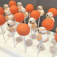 BB8 Star Wars cake pops