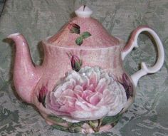 ohhhhh   just love this!!! Such a gorgeous #Teapot!