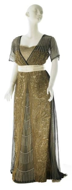 Evening Dress By The House Of Worth   c.1910   -   Museum Of The City Of NY