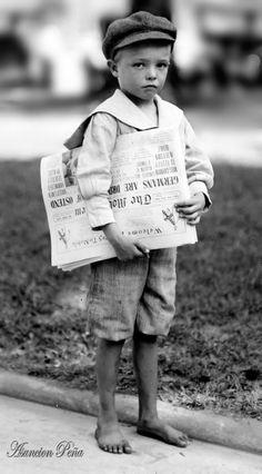Lewis Hine,News boy - Mobile, Alabama