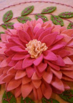 ♥ Pink dahlia felt embroidery by Jessica Kovach of twin fibers. Faux Flowers, Diy Flowers, Fabric Flowers, Paper Flowers, Felt Diy, Felt Crafts, Fabric Crafts, Sewing Crafts, Diy Fleur