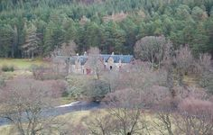 Meall Mor Lodge - Holiday houses in Scotland Exclusive Properties & Sporting Estates Scotland - George Goldsmith Salmon Fishing, Acre, Scotland, Scenery, Castle, Hiking, Boat, River, Island