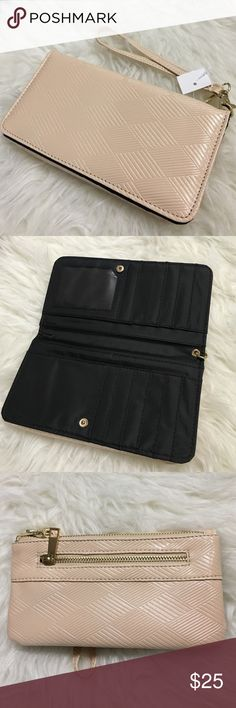 • Nude patent front flat wallet / Wristlet • Lots of compartments. Front flap with space for cash/ credit cards. Zipper side to hold phone/ coins. No trades. Brand new. Bags Wallets
