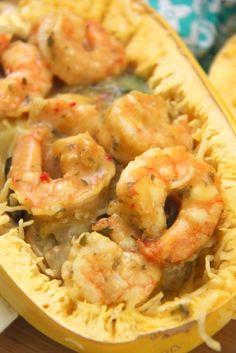 Recipe: Skinny Creamy Garlic Shrimp with Spaghetti Squash - Smashed Peas & Carrots Shrimp Spaghetti, Garlic Spaghetti, Spaghetti Squash, Ww Recipes, Healthy Recipes, Zucchini Pasta, Garlic Shrimp, Healthy Eats, Carrots