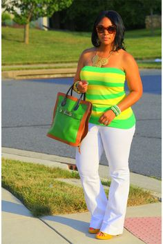 casual outfit, summer looks, summer fashions, color, white pants, jean jackets, plus size fashions, white jeans, curvy fashion