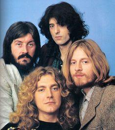 Led Zeppelin (Clockwise from Bottom Left): Robert Plant, John Bonham, Jimmy Page, John Paul Jones Robert Plant Led Zeppelin, People Magazine, Beatles, John Paul Jones, John Bonham, Jimmy Page, Pop Rock, Rock And Roll, Top 10 Canciones