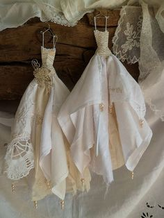 Doily and handkerchief doll dresses...adorable.