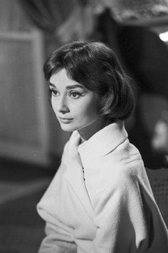 Audrey Hepburn in Love in the Afternoon, 1957 Audrey Hepburn Outfit, Audrey Hepburn Born, Audrey Hepburn Photos, British Actresses, Actors & Actresses, Classic Hollywood, Old Hollywood, Role Models, Vintage Photos
