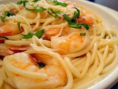 My husband is a big fan of shrimp and it's been awhile since I made a shrimp scampi for dinner. I chose this recipe from Tyler Florence and . Seafood Recipes, Pasta Recipes, Dinner Recipes, Cooking Recipes, Shrimp Dishes, Pasta Dishes, Pasta Sauces, Italian Dishes, Italian Recipes