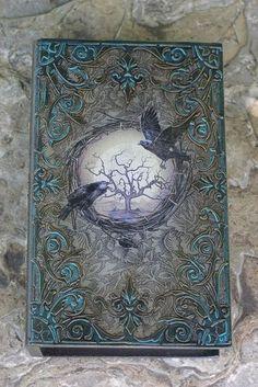 Grimoire Halloween, Halloween Spell Book, Halloween Spells, Handmade Journals, Handmade Books, Altered Books, Altered Art, Art Altéré, Book Sculpture