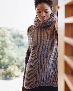 """1,695 gilla-markeringar, 10 kommentarer - woolfolk (@woolfolk_yarn) på Instagram: """"Brianna is wearing Vandre designed by Lori Versaci @versaciknits. View the entire FW17 Collection…"""""""