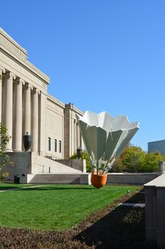 Kansas City's Nelson Atkins Art Museum. Who doesn't love the shuttlecocks? One of my favorite pursuits on visiting home, especially in chillier weather, is to pick up a hot coffee or tea and go for a walk on the museum's lawn on sunny days.