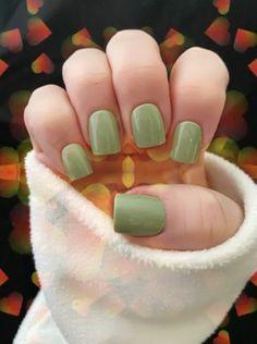 Green Nail Polish Natural Makeup Eco Friendly 10 Free Nail | Etsy Fall Gel Nails, Fall Acrylic Nails, Acrylic Nail Designs, Cute Fall Nails, Cute Short Nails, Fall Nail Art Designs, French Tip Nail Designs, Fall Manicure, Short Gel Nails