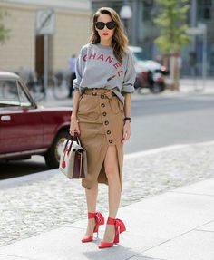 How to Master the Oversized Sweater Trend for Fall via Brit Co Fashion Weeks, Fashion Outfits, Fashion Trends, Fashion Skirts, Street Chic, Street Style, Street Fashion, High Waisted Pencil Skirt, Pencil Skirts