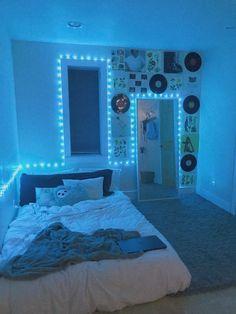 Neon Bedroom, Cute Bedroom Decor, Bedroom Decor For Teen Girls, Room Design Bedroom, Teen Room Decor, Room Ideas Bedroom, Bedroom Inspo, Pinterest Room Decor, Chill Room