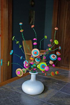 Seussical Button Bouquet - Love this for a baby's room, a baby or bridal shower, a kid's party, or a desk. Button Bouquet, Button Flowers, Fun Crafts, Diy And Crafts, Arts And Crafts, Button Crafts For Kids, Diy Buttons, Vintage Buttons, Craft Projects