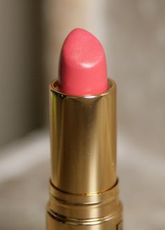 Revlon Super Lustrous lipstick in Coralberry 674 is the perfect pink-orange creme lip.
