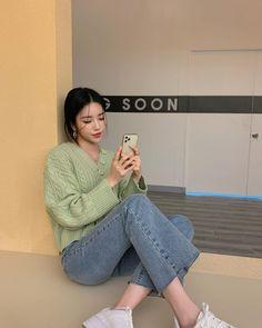 Korean Girl Fashion, Ulzzang Fashion, Asian Fashion, Trendy Fashion, Fashion Outfits, Korean Summer Outfits, Basic Outfits, Business Casual Outfits, Cute Casual Outfits