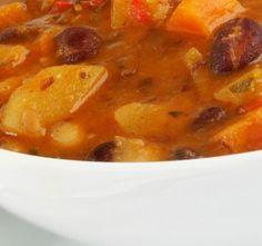 Top 10 českých polévek Czech Recipes, Ethnic Recipes, Cheeseburger Chowder, Thai Red Curry, Pizza, Soup, Cooking, Kitchen, Soups