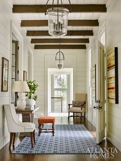 A warm and inviting space designed by architect with interiors by via Atlanta Homes & Lifestyles… Entry Foyer, Entryway Decor, Foyer Bench, Front Entry, Halls, Atlanta Homes, Foyer Decorating, Decorating Ideas, Decorating Websites