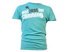 Nicht nur für's Klettern - dieses NIHIL-Shirt überzeugt auch auf dem Weg zu Kletterhalle...