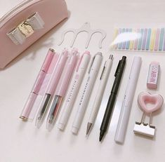 Image about pink in 𝒮𝓉𝒶𝓉𝒾ℴ𝓃𝒶𝓇𝓎 by 𝕵𝖔𝖗𝖉𝖆𝖓 Stationary Organization, Stationary Supplies, Stationary School, Cute Stationary, School Stationery, Stationary Items, Stationary Store, Study Room Decor, Cute School Supplies