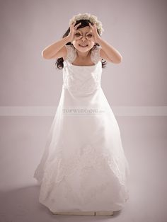 Applique Satin Ivory Princess Flower Girl Dress with Lace Straps Tailoring Time DaysTailoring Time (Rush DaysSilhouette:PrincessNeckline:SquareShoulder Strap:StrapsBack Detail:ZipperHemline/Train:Floor… Pretty Flower Girl Dresses, Princess Flower Girl Dresses, Wedding Flower Girl Dresses, Lace Flower Girls, Beautiful Dresses, Wedding Gowns, Dress With Bow, Lace Dress, Cheap Bridesmaid Dresses Uk