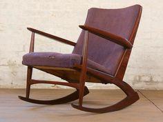 Holger Georg Jensen rocking chair 1960s Schöner Design Klassiker aus der Zeit um 1960. Seltener Schaukelstuhl aus den 1960er Jahren. Der durch den Designer Holger Georg Jensen entworfene...