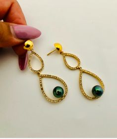 #culturedpearls #pearls #blackpearls #pearl #accessories #tahitianpearls #fiji #pacificpearls #shahana #bossladies #jewelrybox #jewelryporn #jewelry  #jewelrydesigner #jewelrygram #bracelets #accessories #jewellery #jewelry #earrings