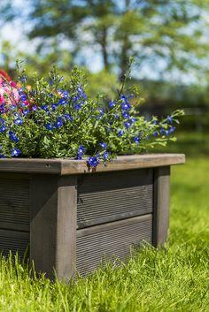 Blomsterkasse til hagen - super enkel å lage selv med avkapp fra terrassebord og MULTIstolper i MøreRoyal®