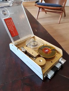 Fi-cord Swiss made Vintage Spy Reel to reel tape, ca Stellavox Spy, Icon Design, Furniture Design, Icons, Retro, Vintage, Symbols, Vintage Comics, Retro Illustration