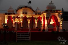 A reliable Wedding planning Mumbai for your wedding occasion contact us today to get free quotation for your budget wedding planning Mumbai Best Wedding Planner, Budget Wedding, Wedding Planning, Royal Wedding Venue, Wedding Venues, Indian Wedding Decorations, King Queen, Design Trends, Fair Grounds