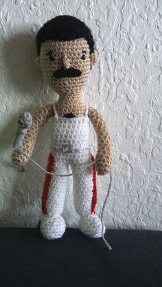 Les tricots et loisirs d'ophélie Modèle freddie mercury crochet gratuit