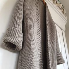 Knitting Patterns Women Look what I found on Freubelweb.nl: a free knitting pattern from Pluskus to make this beautiful … Crochet Kids Scarf, Crochet Poncho, Knitting Patterns Free, Free Knitting, Crochet Patterns For Beginners, Crochet Clothes, Diy Clothes, Diy Kleidung, Vest Pattern