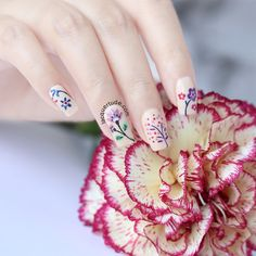 Spring Flowers Nail Art | Lacquertude.com