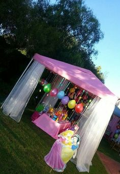 Disney Princess Party. Like the hanging balloons