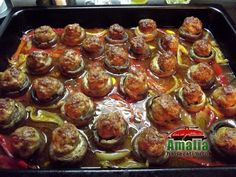 Chiftele cu ciuperci si ardei 4 Meat, Ethnic Recipes, Food, Salads, Essen, Meals, Yemek, Eten