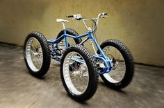 Surly Quad bike - need to build myself one of these, but with a much more comfortable seat...